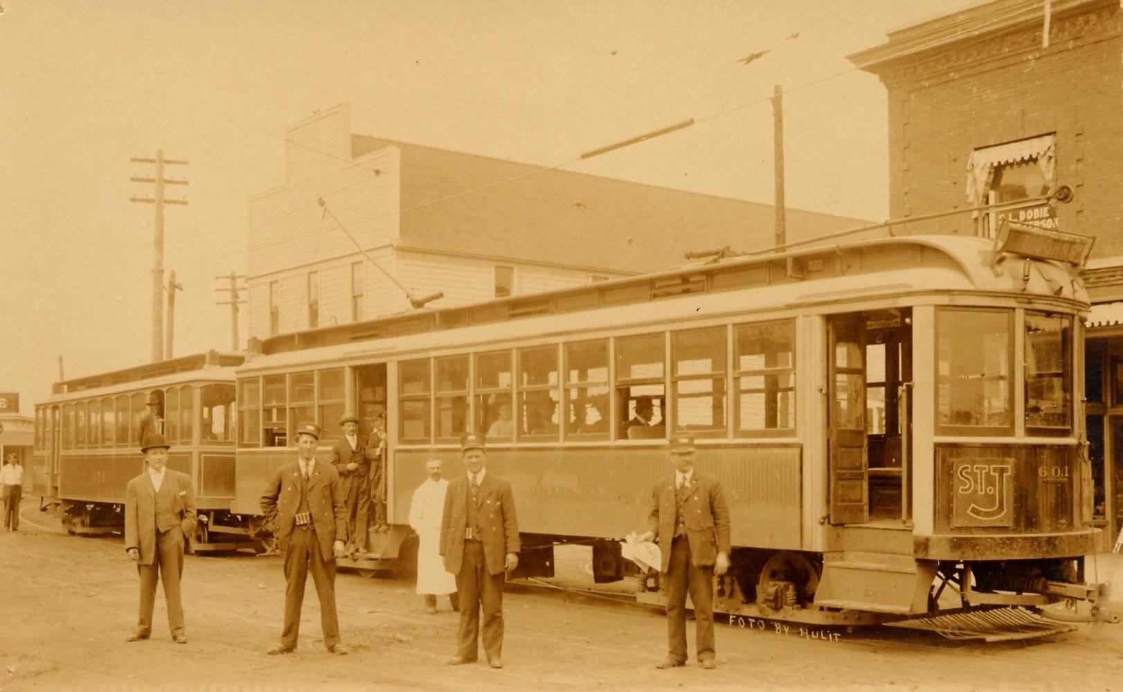 Car 601 of St Johns  at Burlington and Jersey (Lombard)