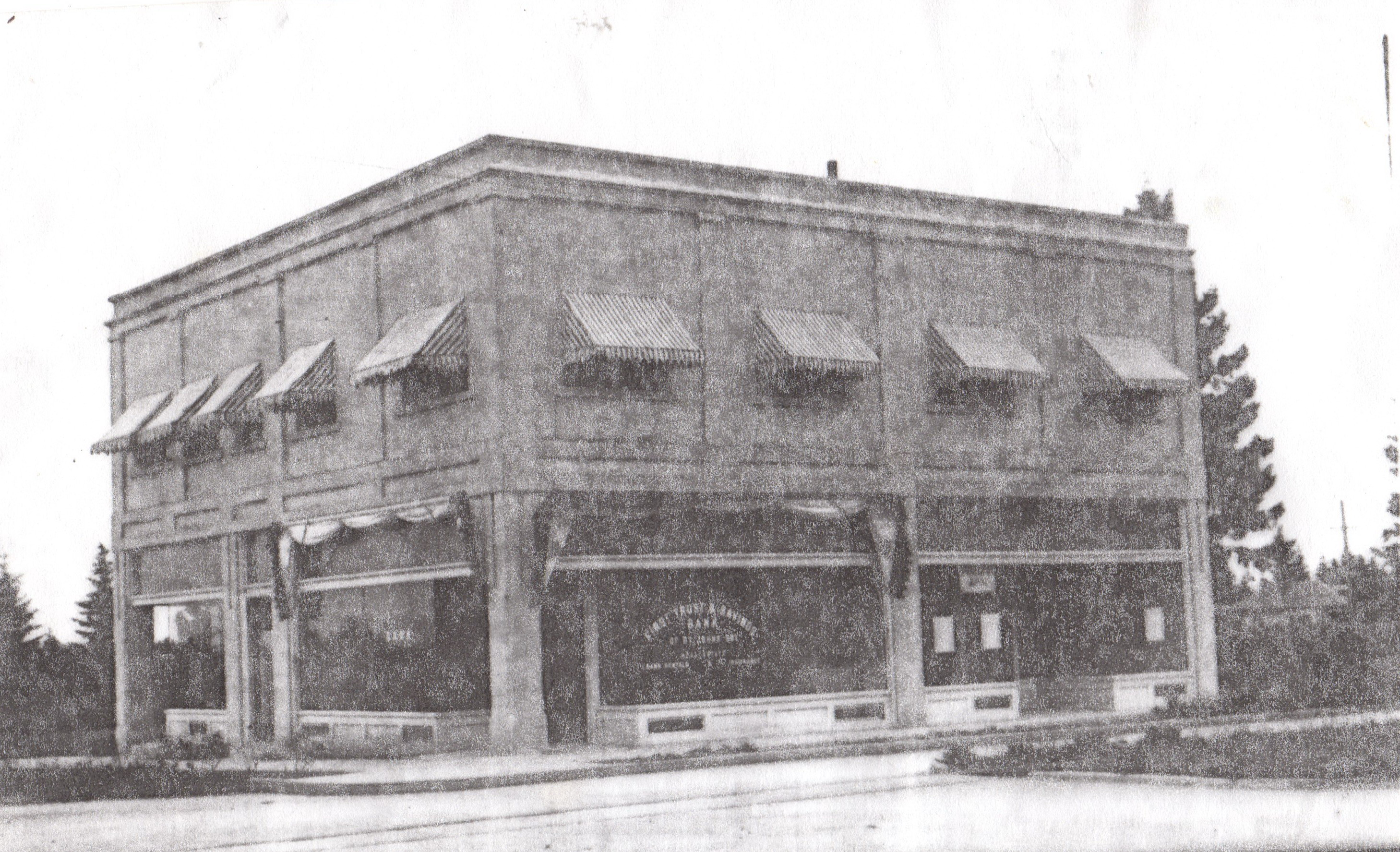 First Trust and Savings Bank NE corner of Fessenden and Midway 1920