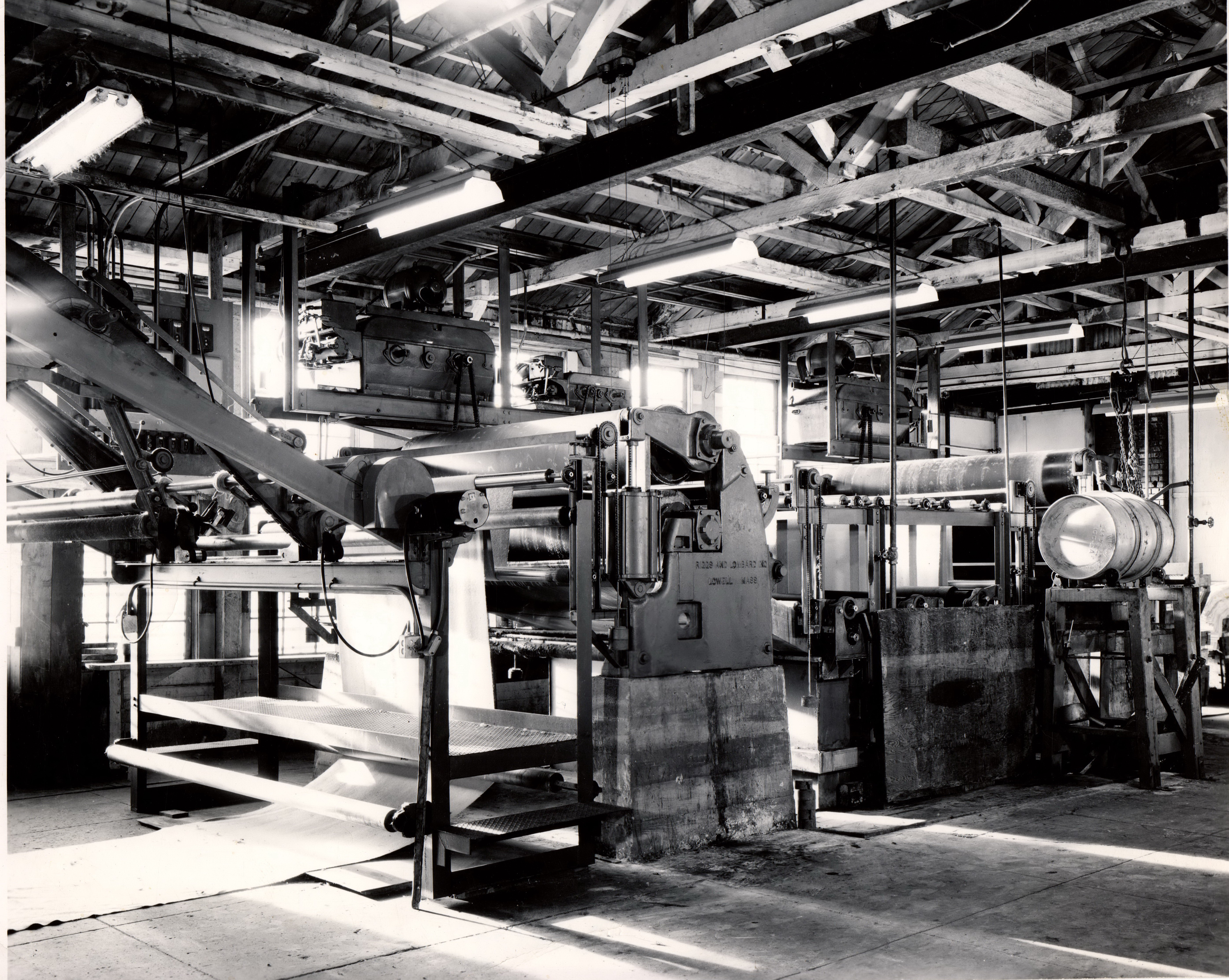 Portland Woolen Mills in operation