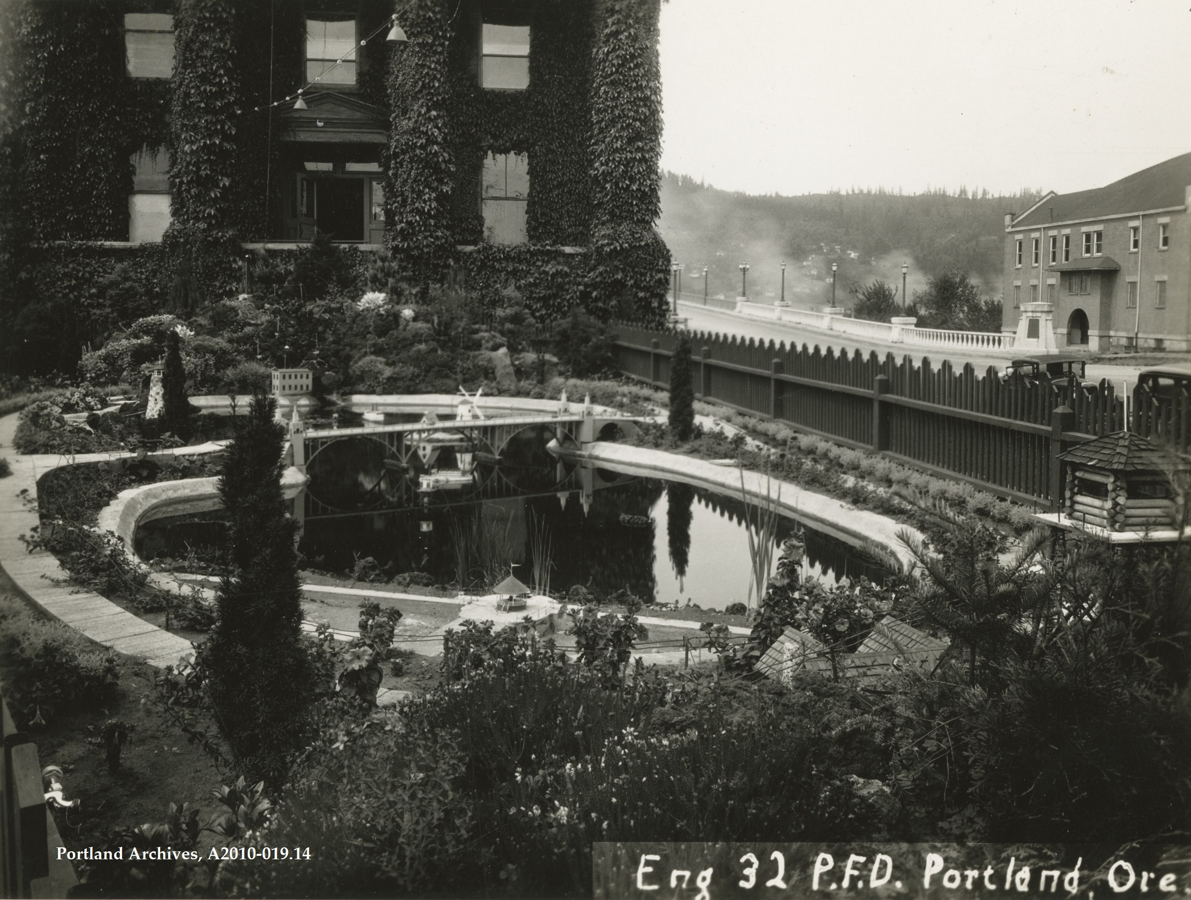 1934_station-32-firefighters-rock-garden-st-johns_a2010-019-14