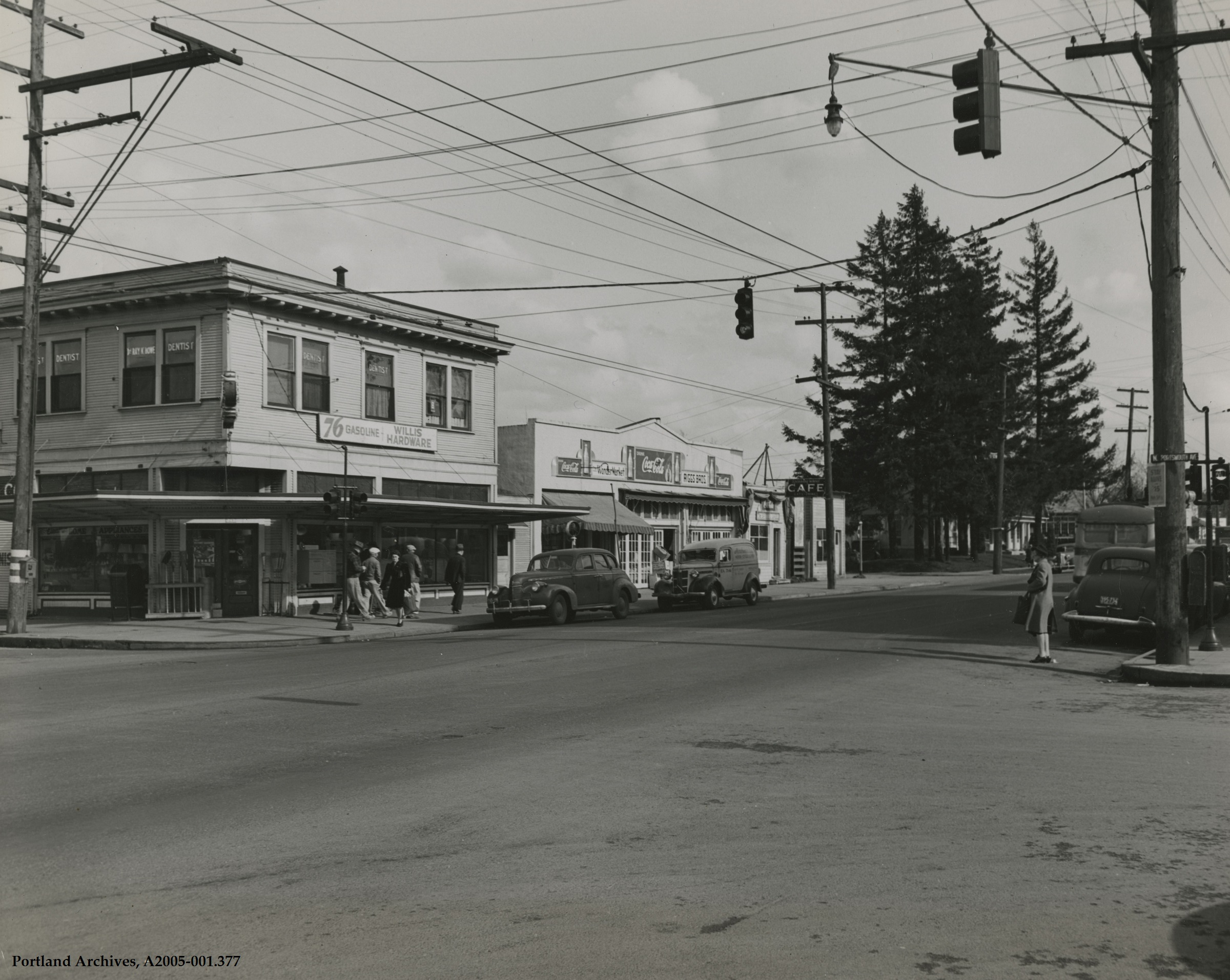 1945-mar-31_n-lombard-st-and-n-portsmouth-ave-looking-northeast_a2005-001-377